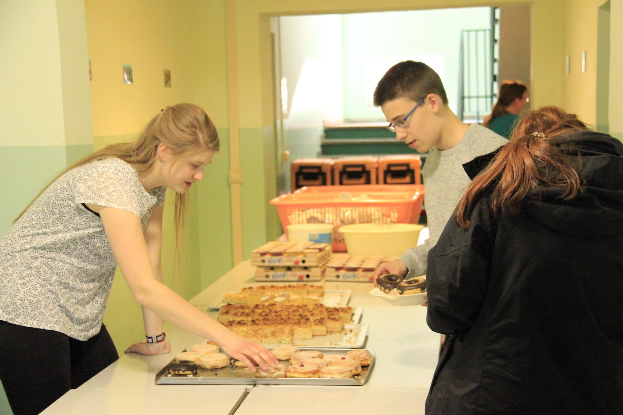 OJT'19 - Kuchen aus Oberkrämer essen